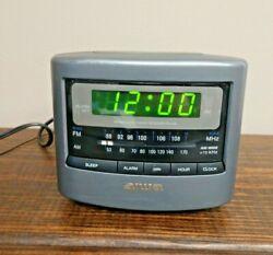 Aiwa Radio Reciver Model No. FR-A45U AM/FM Alarm Clock Radio Tested