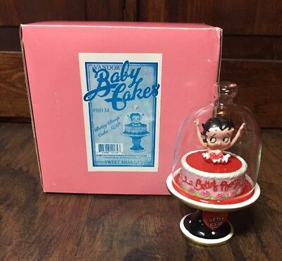 Used, NEW 2001 Vandor Baby Cakes Betty Boop Cake Collectible Salt & Pepper Shakers for sale  Benton