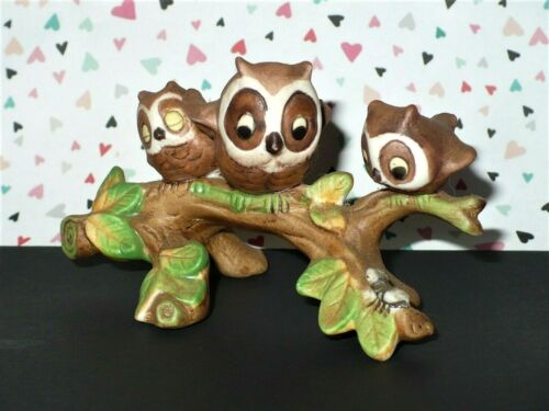 VTG BISQUE PORCELAIN MOTHER & BABIES OWLS ON TREE BRANCH FIGURINE VGC