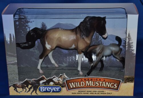 Breyer~2012~Mid-States Dist~Classic Wild Mustang~Desert Rose, Mare & Azure, Foal