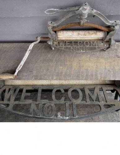 ANTIQUE WELCOME No. 11 WRINGER WASHER TOP SECTION