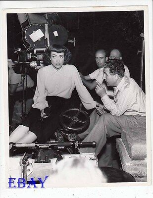 Director Curtis Bernhardt Joan Crawford Vintage Photo Posessed Candid On Set