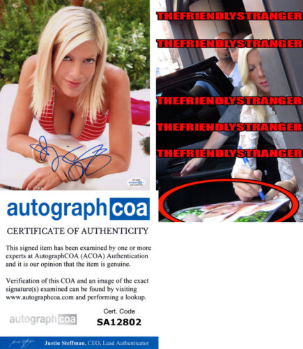 TORI SPELLING signed Autographed 8X10 PHOTO - EXACT PROOF - Hot SEXY 90210 ACOA