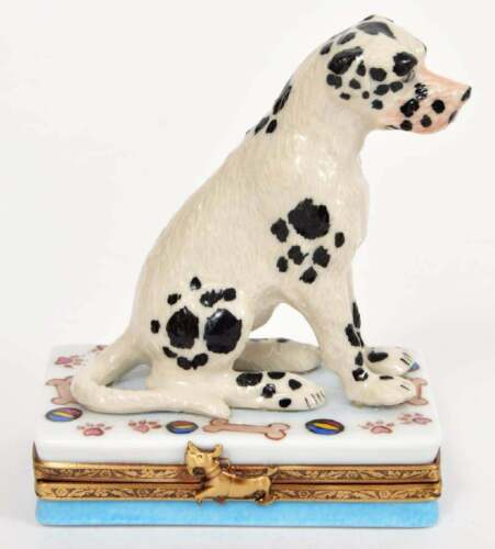 LIMOGES SIGNED PORCELAIN DALMATIAN BOX WITH HINGED LID! VERY GOOD CONDITION!