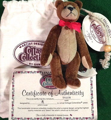 COTTAGE COLLECTIBLES Miniatures by Ganz TYLER the Bear in Pouch w/ COA! CC7305