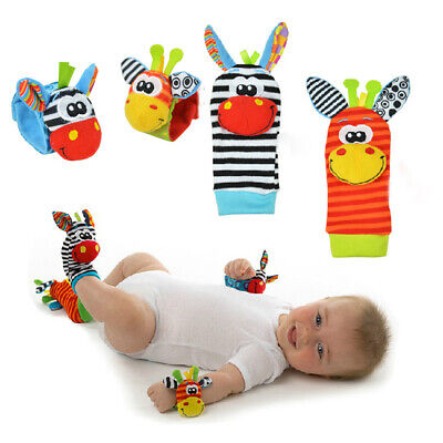 2PCS Soft Rattle Set Baby Sensory Toys Foot-finder Socks Wrist Rattles Bracelet ()
