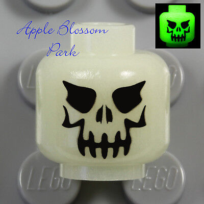 LEGO Skeleton Glow-in-the-Dark MINIFIG HEAD - Evil Eyes Halloween Monster Skull](Glow In The Dark Halloween Eyes)