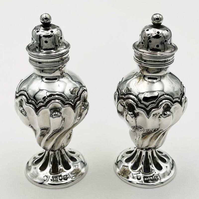 PAIR VICTORIAN STERLING SILVER PEPPERPOTS London 1897 Goldsmiths & Silversmiths