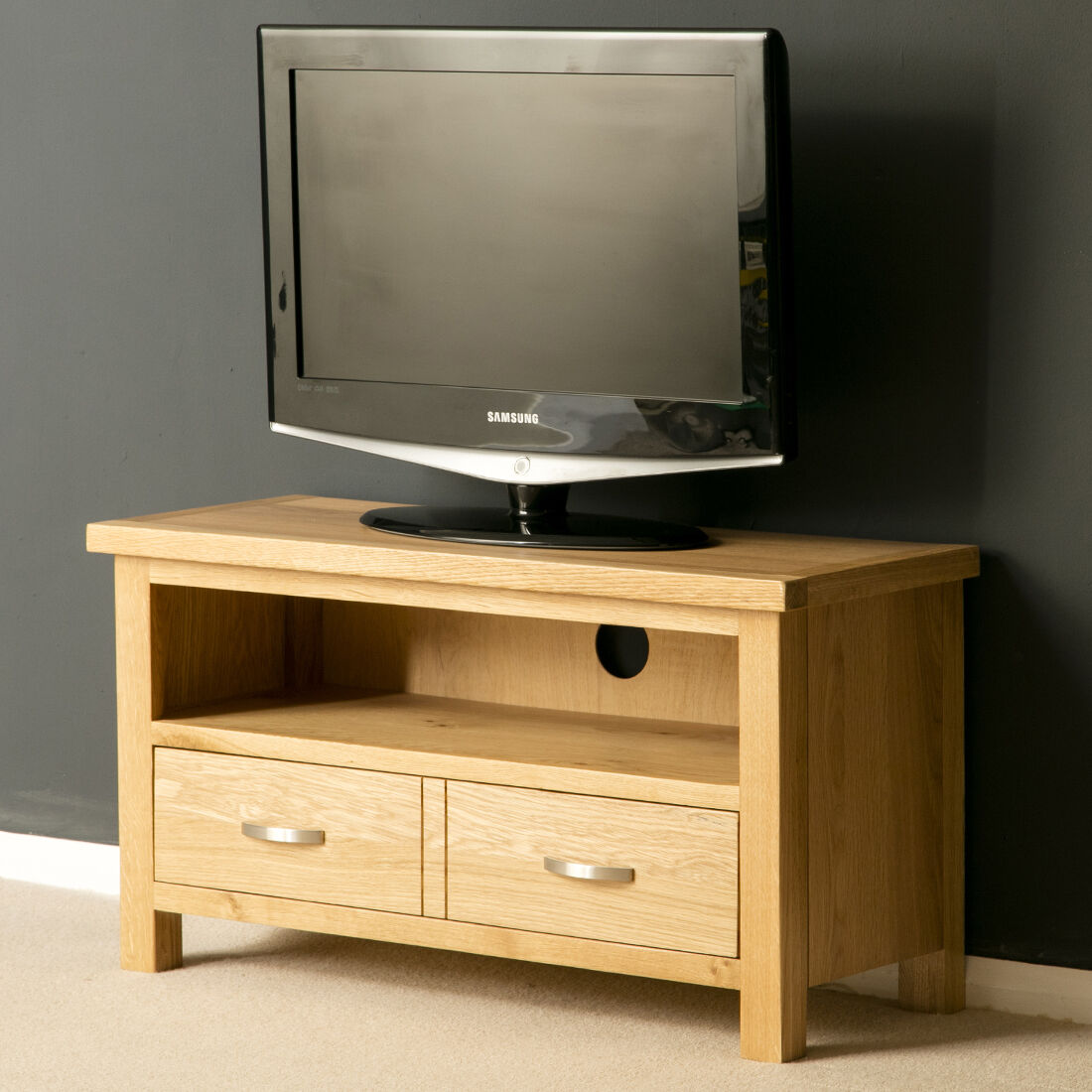 london oak tv stand small plasma tv cabinet solid wood tv unit brand new. Black Bedroom Furniture Sets. Home Design Ideas