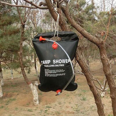 Für Warmduscher: Die Camp Shower erhitzt sich in der Sonne. (© gufan02)