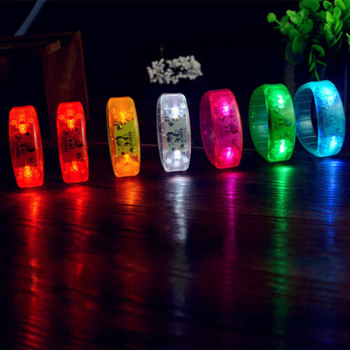 Neue sprachgesteuerte Farbe LED-Licht blinkt Armband Armreif blinkende Party
