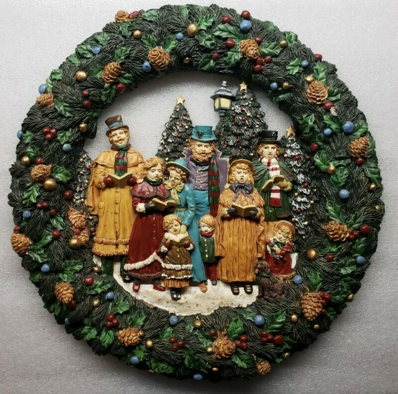 Vintage Plastic Christmas Wreath With Singing Carolers 12""