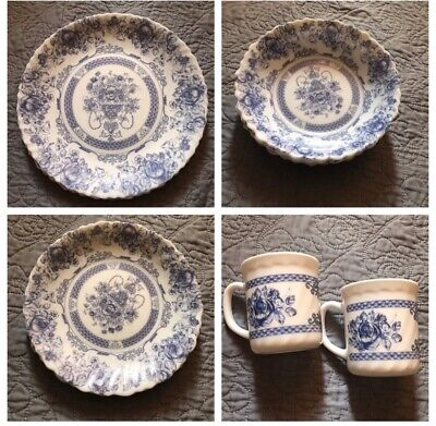 SET OF 13 ARCOPAL HONORINE FRANCE DINNERWARE (CUPS, PLATES, & BOWLS)