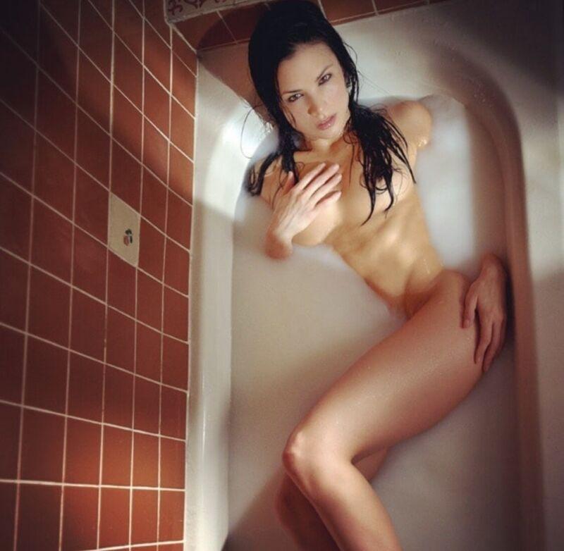 Katrina Law - Up Above The Tub !!!!! # 2