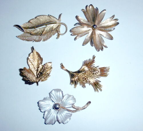 Lot Of 5 Vintage Brooches Lisner Monet & Pastelli