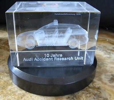 AUDI A4 Avant Polizei AARU Accident Research Unit 3D Motiv Briefbeschwerer TR