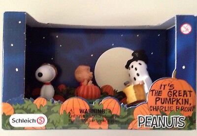 Peanuts Halloween It's The Great Pumpkin Charlie Brown by Schleich NEW In  Box (It's Halloween Pumpkin)