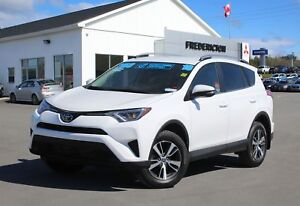 2018 Toyota RAV4 LE AWD | REDUCED | HEATED SEATS | BACK UP CAM