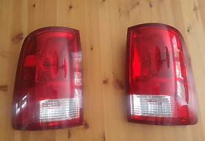 Dodge RAM tail lights -- 2009 to 2017 -- Feux arrière Dodge RAM