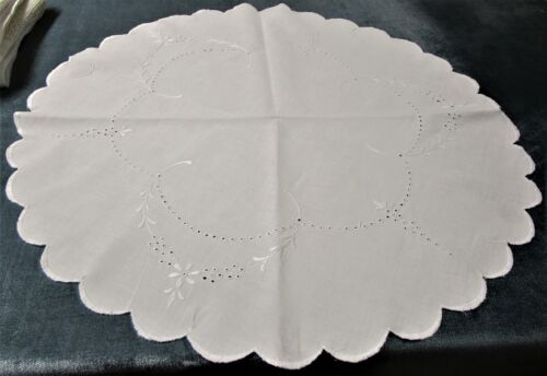 Antique White Linen Round Centerpiece Eyelet Floral Embroidery Scalloped Edges