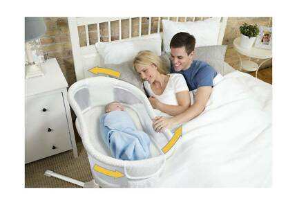 HALO Bassinest Swivel Sleeper Bassinet   2 HALO Fitted Sheets Blackburn Whitehorse Area Preview