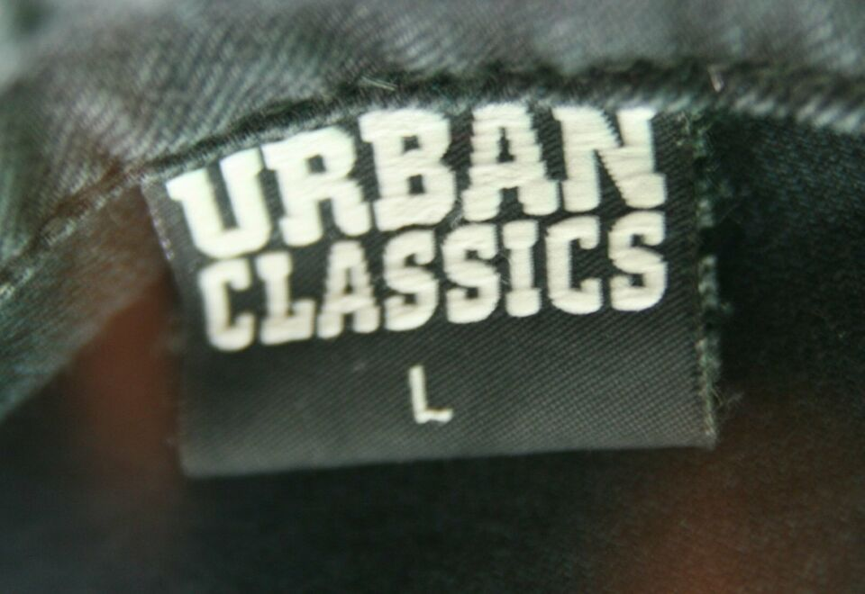 Schwarze Urban Classics Weste Gr. L mit The Clash Backpatch PUNK in Witten