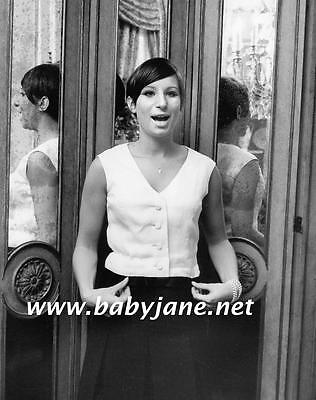 092 BARBRA STREISAND AT HOME IN NYC 1965 CANDID PHOTO