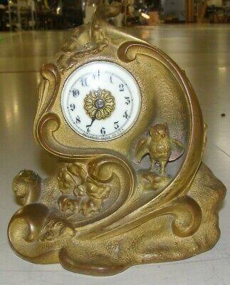 Antique 1878 to 1891 Waterbury shelf/mantel clock, time only, runs