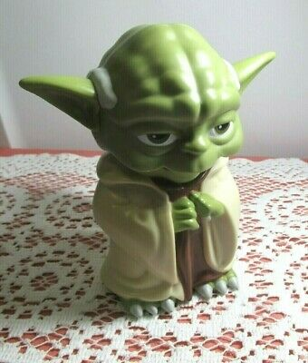 NEW WITHOUT TAG STAR WARS YODA LIGHT UP FLASHLIGHT NEVER USED