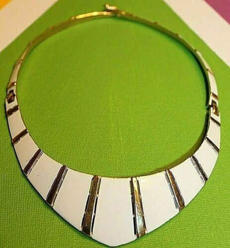 STUNNING CROWN TRIFARI SIGNED LARGE ENAMEL NECKLACE GREAT STYLE AND DETAIL