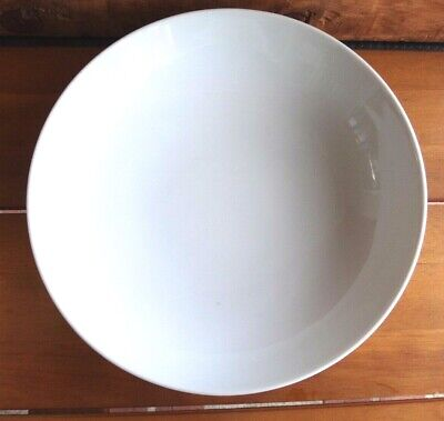 """Crate&Barrel Kahla White 8 1/4"""" Round Low Vegetable Bowl, Germany"""