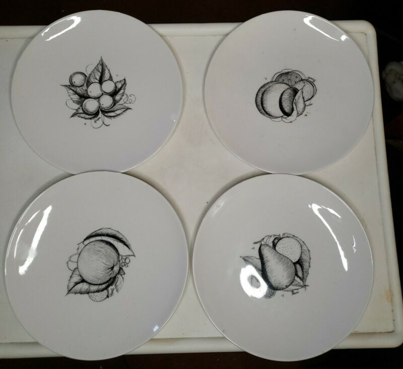 4 pc vintage Susie Cooper Pottery Bone China England / Black Fruit salad plates