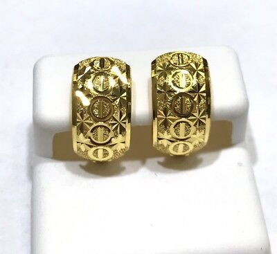 18K Solid Yellow Gold Diamond Cut Clip Earring. Weight 3.95 grams.