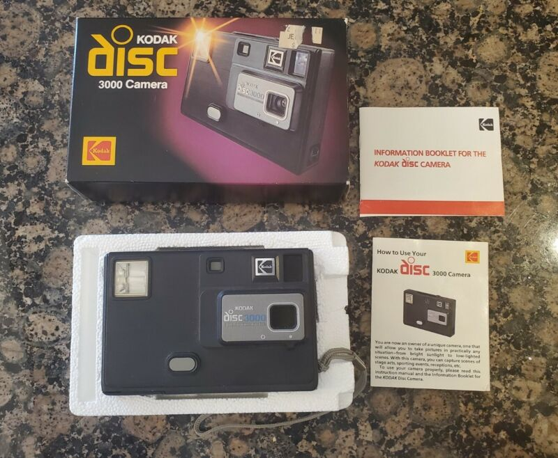 KODAK Disc 3000 CAMERA Outfit Used Vintage 1982 Comes with Original Box