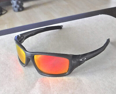 Nuevo Oakley Valve Gafas de Sol Gris Humo / Personalizado Polarizados Rubí segunda mano  Embacar hacia Spain