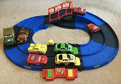 Disney Pixar Toy Story 3 Shake N Go Track & 8 Cars, McQueen, Mater, Woody, Buzz