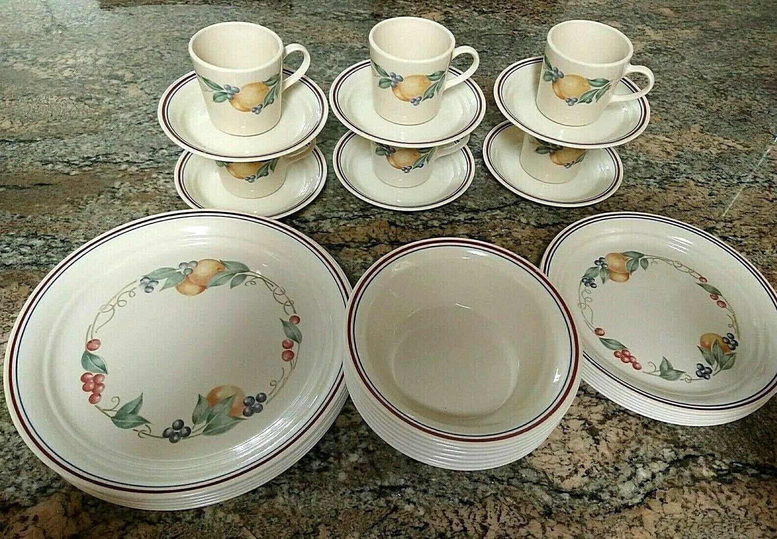 Vtg. Corelle Abundance Dinnerware set ~ 30 Pc. Service for 6