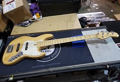 SIRE Marcus Miller V7 5-String Electric Bass with Gig-bag