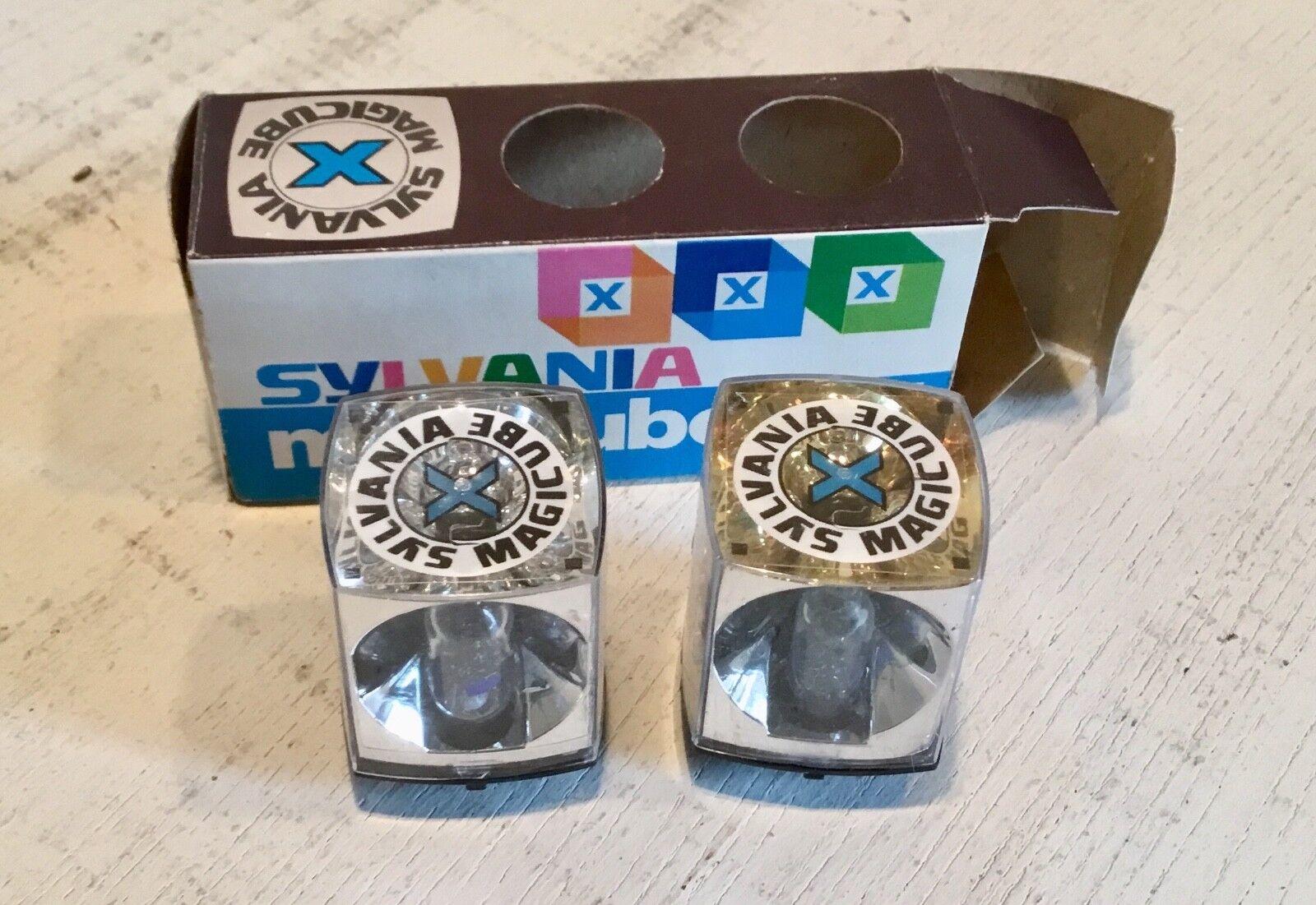 Vintage SYLVANIA Magicube X - 2 flash bulbs in original box = 8 flashes