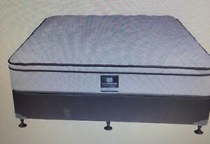 NEW FREEDOM QUEEN MATTRESS WITH BASE Liverpool Liverpool Area Preview