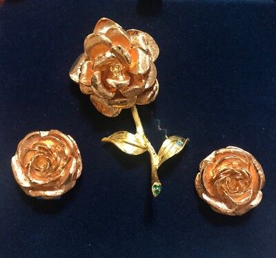 (CAMROSE & KROSS JACQUELINE KENNEDY ROSE GOLD ROSE BROOCH PIN EARRINGS SET NEW)