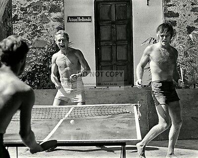 PAUL NEWMAN ROBERT REDFORD PLAY PING PONG IN DURANGO MEXICO  8X10 PHOTO (BB-973)