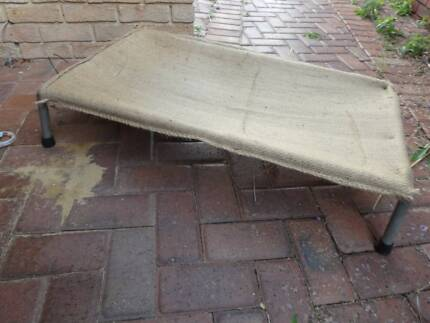 Dog bed, medium size trampoline type with replaceable hessian