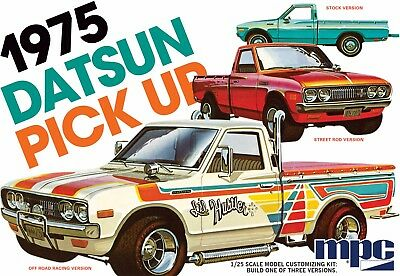 MPC 872 Retro Deluxe 3-in-1 1975 Datsun Pickup plastic model kit 1/25