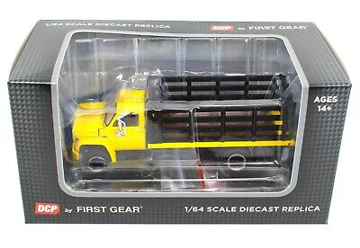 NEW 2021 1:64 DCP *YELLOW & BLACK* GMC 6500 Tandem-Axle STAKEBED TRUCK  *NIB*