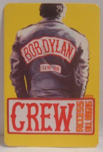 BOB DYLAN - ORIGINAL CONCERT TOUR CLOTH BACKSTAGE PASS