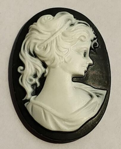 Wholesale Loose Italian Hand-carved High Relief Cameo 36X26 mm For Jewelry New