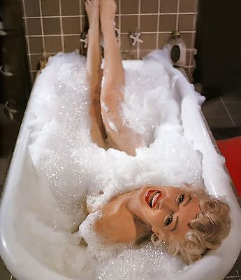 MARILYN MONROE BATH TUB CELEBRITY HOLLYWOOD 8X10 GLOSSY PHOTO PICTURE WOW!