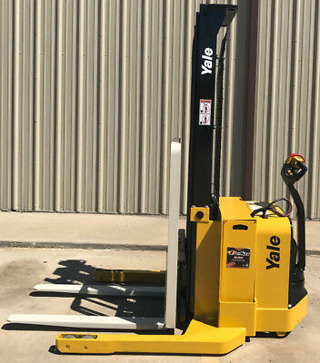 2012 Yale Walkie Stacker - Walk Behind Forklift - Straddle Lift Only 2557 Hours