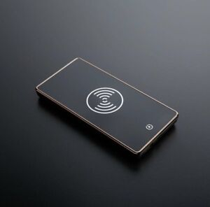 Wireless charger / power bank